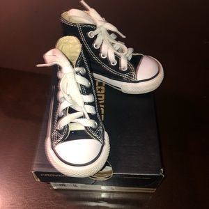 Infant converse size 5 gently worn in original box